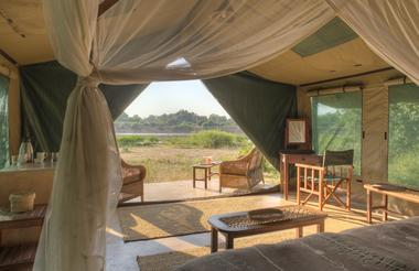 Luxury safari tent at Flatdogs Camp